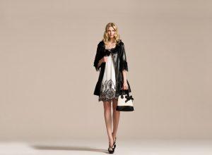 Modaya Uygun Bluz Alımları Yaparak Şık Olun